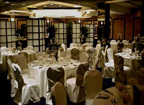 banquet hall arrangement